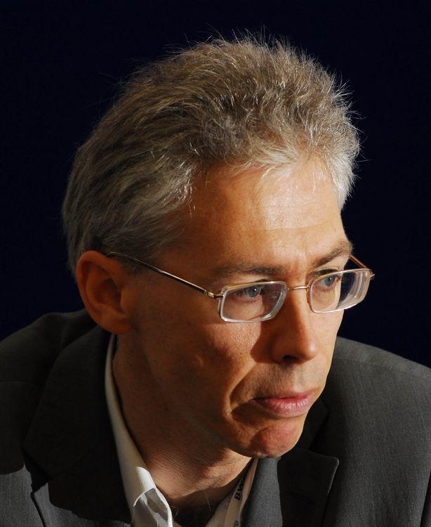 Dr Douglas Parr